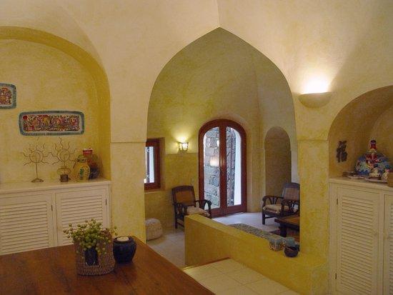 SOGGIORNO - Picture of Relais B&B Euterpini, Pantelleria - TripAdvisor