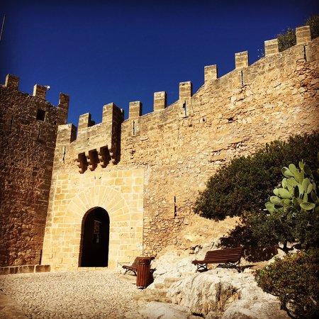 Castell de Capdepera: castle entrance