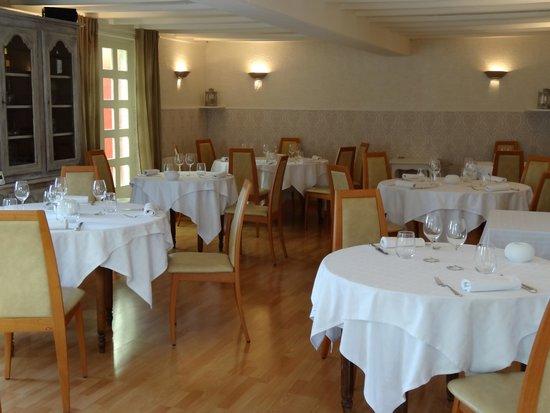 La Bonne Auberge: salle de restaurant