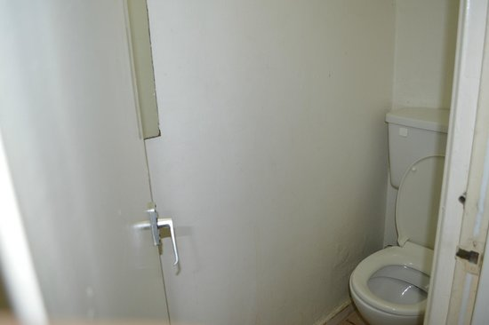 Bagno In Comune Hotel : Doccia nel bagno in comune photo de hotel le jacquemart dijon