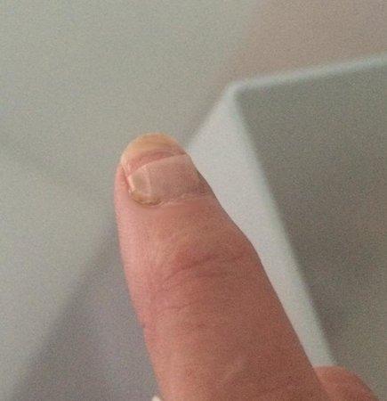 Harvey Nichols : Defective Nail @ Harvey Nicols Nail Bar