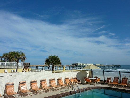 Royal Holiday Beach Motel: Vue du motel