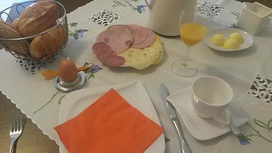 Hotel Hoffmann: Breakfast