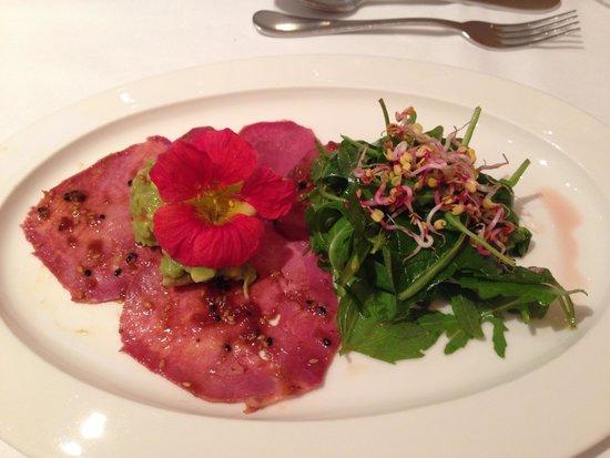 Broeding: Marinated Beef Tongue with Avacado and Salad