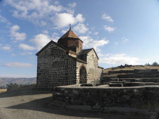 Hayravank Monastery: Hayravank, Armenia