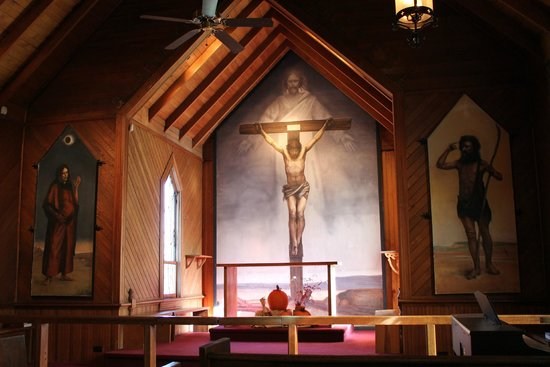 Saint Mary's Episcopal Church: frescoes