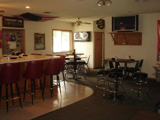 West Liberty, IA: Dining area in the bar