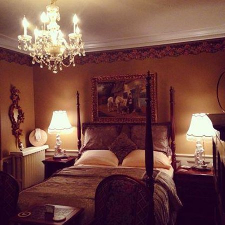 Ashford Cottage Bed & Breakfast: Emerald Suite