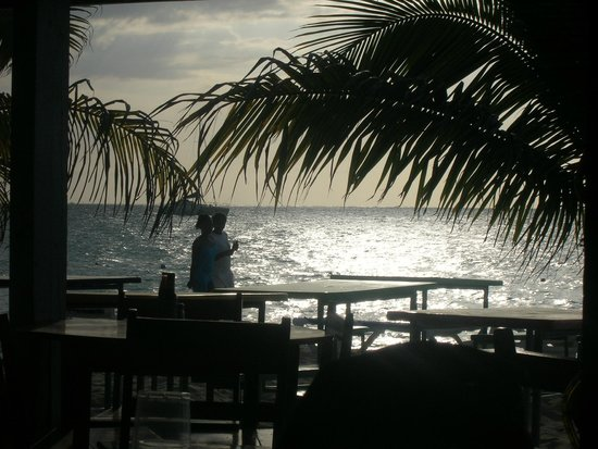 Shorty Tours: Alfred's on the beach in Negril