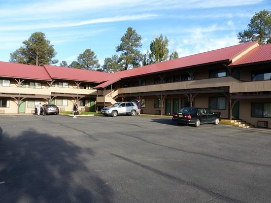 Branding Iron Motel: Motelansicht