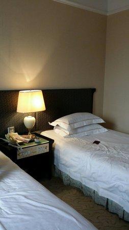 Golden Gulf Hotel: Bedroom of 601