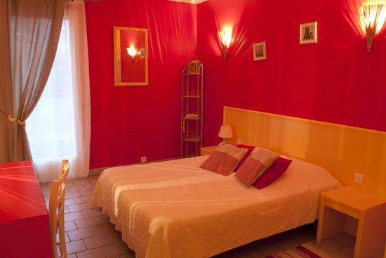 chambre lit double style campagne - Photo de Le Nuage, La ...