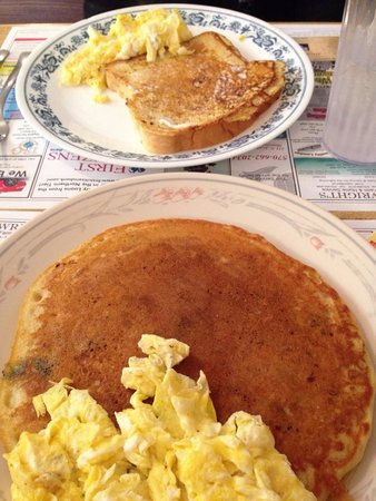 Gramma's Kitchen : Huge pancakes a french toast at a great price! :)