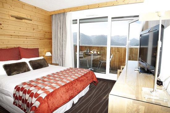 le grand t tras hotel font romeu odeillo via france voir les tarifs et 246 avis. Black Bedroom Furniture Sets. Home Design Ideas