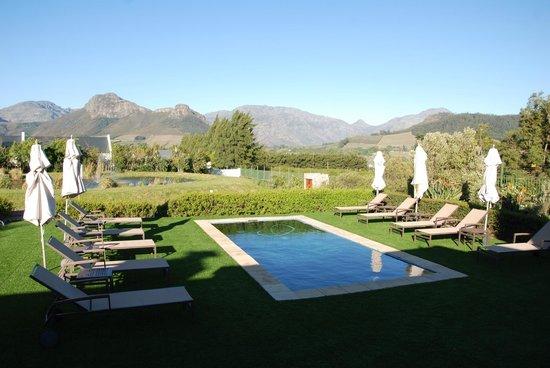 La Cabriere Country House: Blick zum kleinen Pool