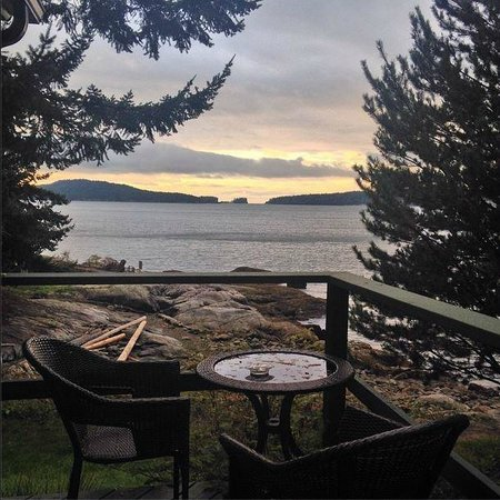Rockwater Secret Cove Resort: Our ocean front patio