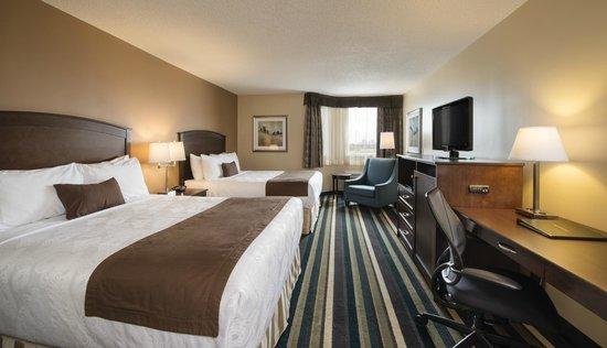 Best Western Plus Winnipeg Airport Hotel : Two Queen Room
