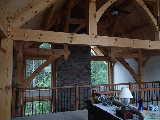 Bedford Landings Bed & Breakfast, LLC: Loved the high loft ceiling