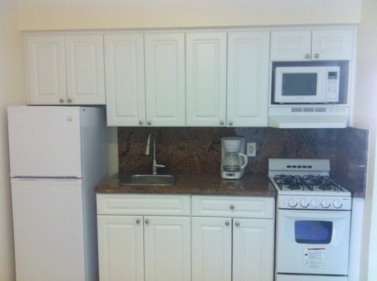 Ocean Drive Villas, LLC: Kitchen
