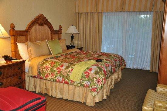 Suite living room picture of lago mar beach resort for Lago living room