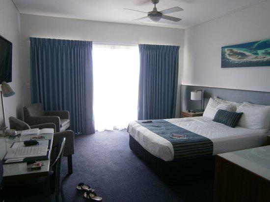 Ocean Centre Hotel: room