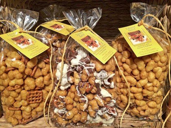 MonKey Bread Factory: Island Gold Toffee Glazed Puffed Corn