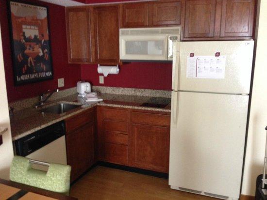 Residence Inn Tampa Westshore/Airport: Full Kitchen