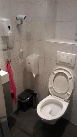 Kooyk Hotel: bagno privato