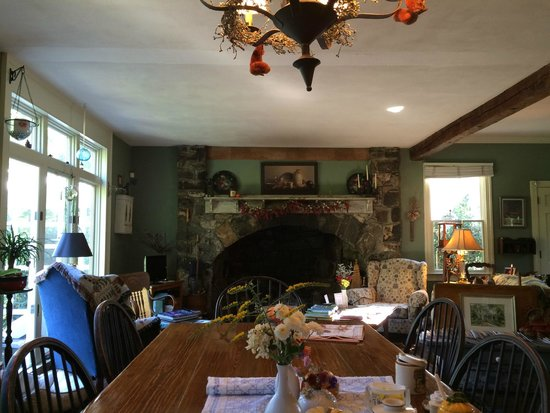 The Pennsbury Inn : Breakfast in the Great Room