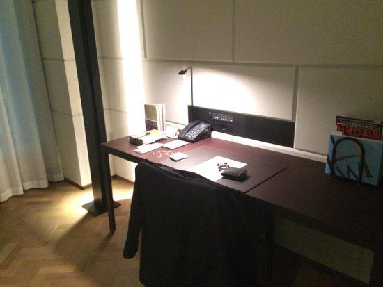 Hotel Cafe Royal: Escritório integrado na Suíte Júnior