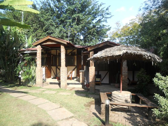 Outpost Lodge: Cottage Rooms