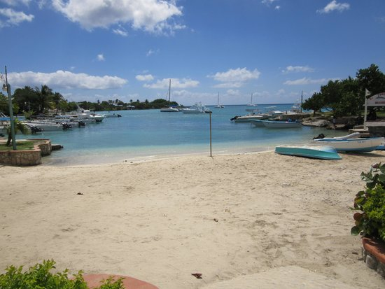 The ocean view directly across from Saona Cafe