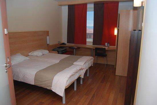 Hotel Ibis : Room