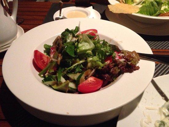 Puri Santrian Beach Club Bar & Restaurant : Green salad tasted good!