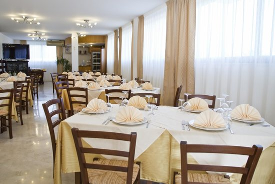 Ristorante Caffe San Giorgio: veduta sala ristorante