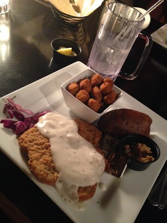 Brothers at Willow Ranch: Country Fried Steak dinner