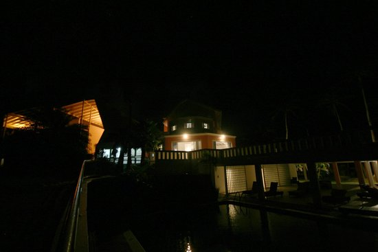 Blue Haven Hotel: Blue Haven at Night