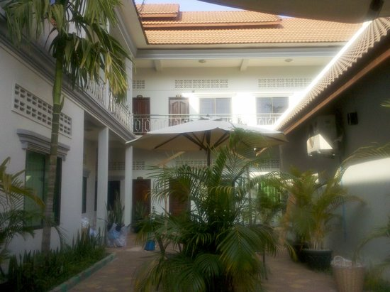 Mantra Angkor Boutique Villa : Innenhof