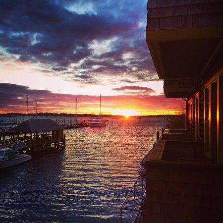 Harborside Inn : Sunset view from our room, 10/19/14