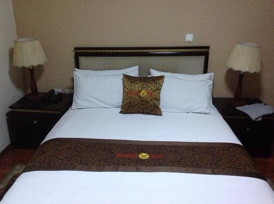 Wassamar Hotel: Bed set