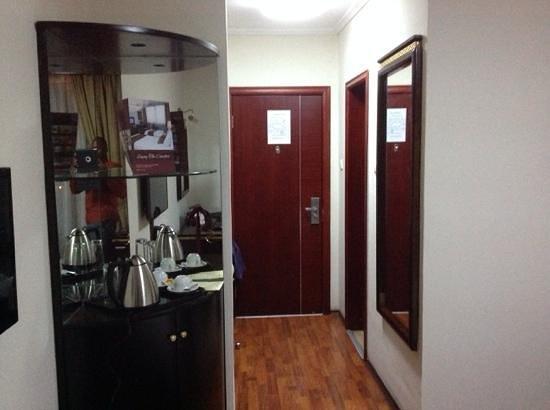 Wassamar Hotel : Door side