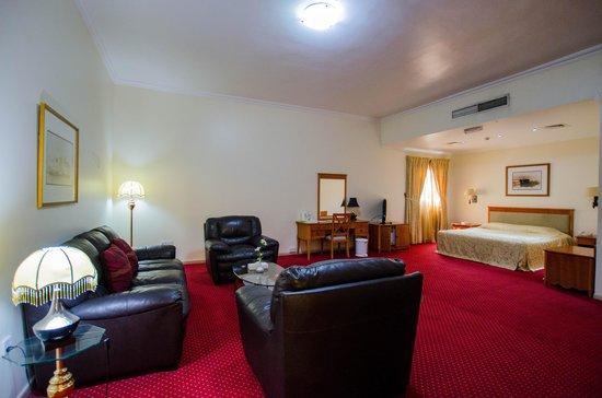 Al Seef  Hotel : Schlafzimmer