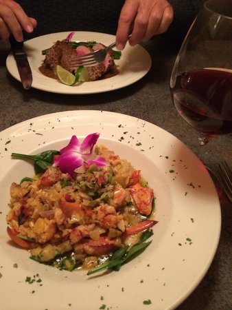 Harrison's Restaurant & Bar : Lobster Risotto and Ahi Tuna!