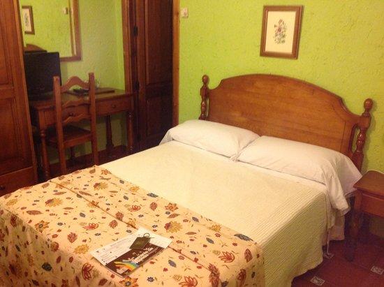 Hotel Hermanos Macias: Bedroom # 14
