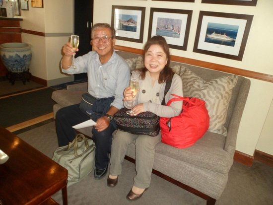 The PortsWood : My guests enjoying champagne on checking in.
