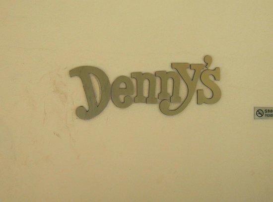 Denny's: Dennys Sign and Logo