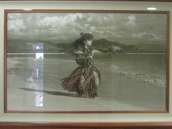 Denny's: Hawaian Dancer Photo