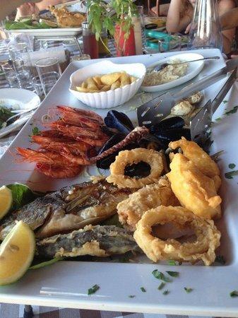 Raphael's Restaurant : Мини-мезе рыбное:)