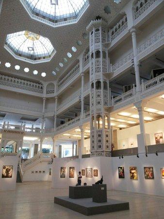 Museum of Modern Art Algiers : L'interno del Mama