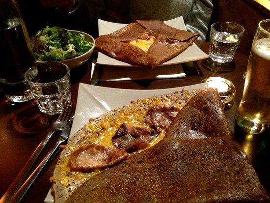 Le Chalet du 8eme: Perfect Parisian meal.   Savory Buckwheat crepes made to order.